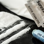 drugs-908533_640